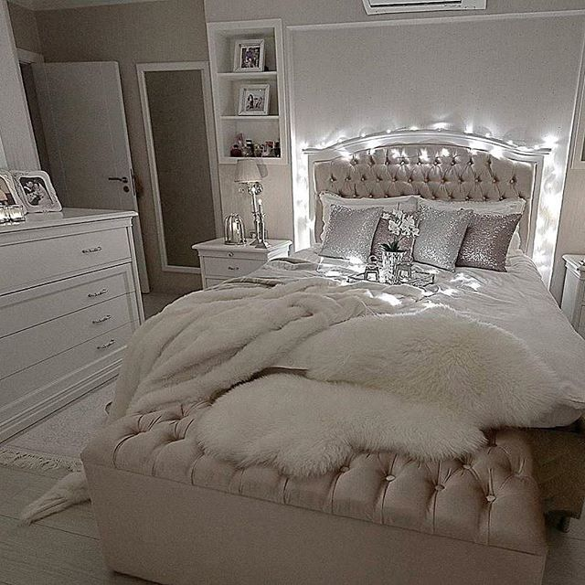 gossip girl with glamour room design ideas | It's glam but comfy at the same time ☺️ @decolove_art ...