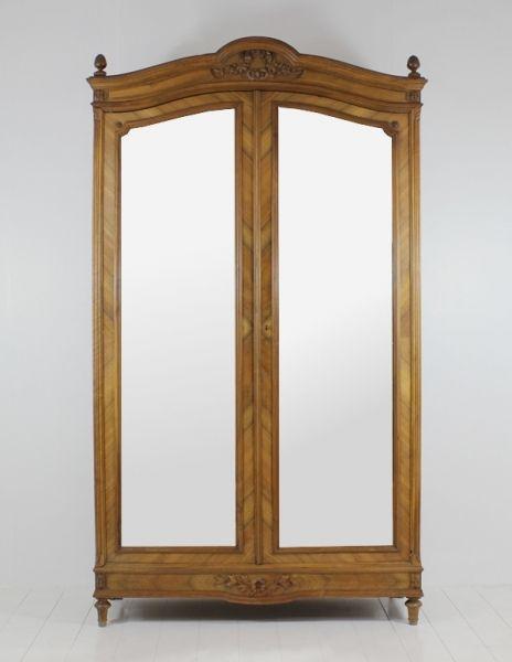 Armoire 2 portes at Villa Maison