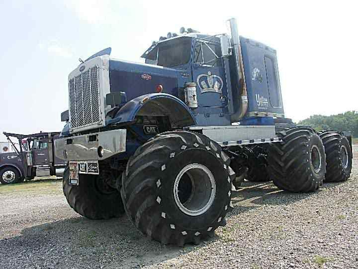 Look at those tires ! Love it ! Reminds me of the monster truck 'Big Pete'