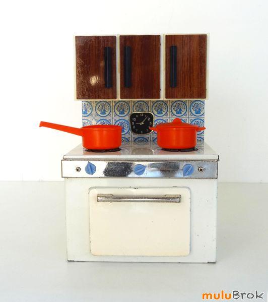 les 122 meilleures images du tableau dans la salle de jeux sur pinterest ancien casse t te et. Black Bedroom Furniture Sets. Home Design Ideas