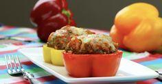 Anneaux poivrons farcis . Ne mettre que la moitié du piment; ajouter quelques morceaux des chapeaux des poivrons et trois quatre cuillerées de pulpe de tomates à la farce. 20 min de cuisson au four suffisent.