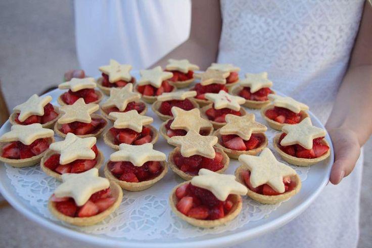 Dessert en étoile avec des fraises lors du dîner en blanc à Vannes!