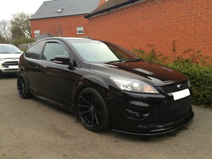 """Ford Focus ST with 18"""" Bola CSR"""
