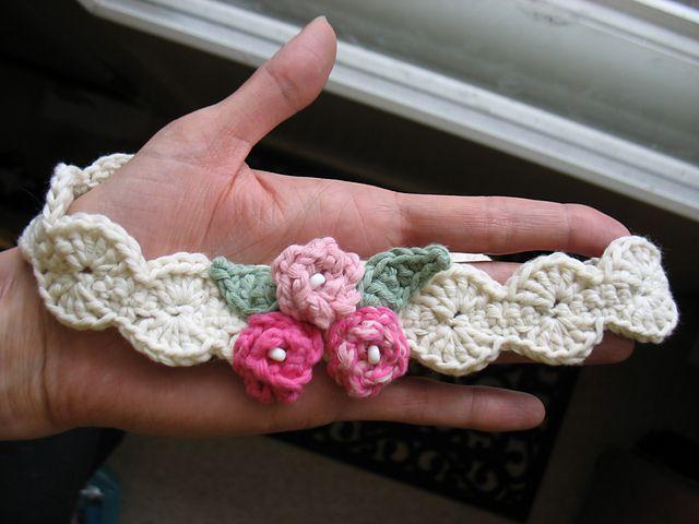 Ravelry: Pearly Girl Baby Headband pattern by Jennifer Fayard