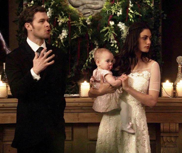 "The Originals – TV Série - Niklaus ""Klaus"" Mikaelson - Joseph Morgan - Hayley Marshall - Phoebe Tonkin - baby Hope Mikaelson - bebê - casal - couple - amor - love - daughter - filha - father - pai - dad - papai - mother mãe - mom - mamãe - happy family - família feliz - dress wedding - vestido de noiva - lace - renda - rosa - rose - pink - pantyhose - meia calça - moda - style - look - inspiration - inspiração - fashion - elegante - elegant - chic - 2x14 - I Love You, Goodbye - Eu Te Amo…"
