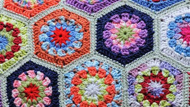 Sunday 21 May 2017 / 11:30 The initial location ( Moutallos Botanical Garden) has changed, due to the infrastructure works delay. The event will therefore take place at Pafos2017 HeadQuarters. The second event of the bi-communal group of women, Peace2Peace, concludes the installation of crochet decorated shingles in the, under-construction, Botanical Garden in Mouttalos. The...