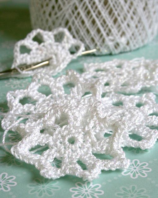 Crochet Snowflake Patterns Free Easy : Easy Crochet Snowflake Pattern Crocheting Pinterest