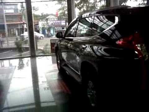 Mitsubishi Pajero Sport Type Exceed Warna Hitam Bandung