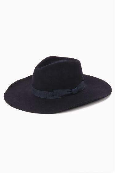 grillo.c ツバヒロHAT  grillo.c ツバヒロHAT 9504 grillo.c (グリーロ イタリア生産の帽子のファクトリーブランド 高品質でリーズナブルなプライスが人気です