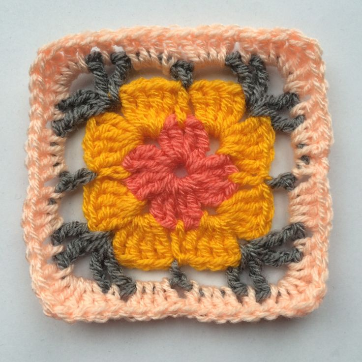 Madelief granny square (link to pattern)