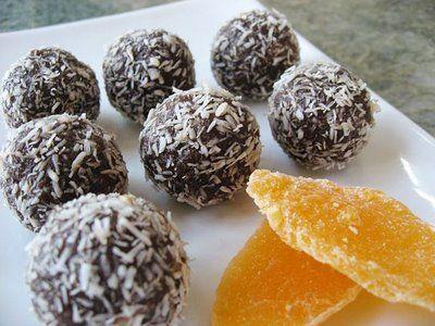 Νοστιμότατες σοκολατένιες μπουκίτσες με καρύδα. Μια απλή και εύκολη συνταγή για αφράτα και ελαφριά σοκολατάκια με την ιδιαίτερη γεύση καρύδας. 1 ¼ φλιτζάνι