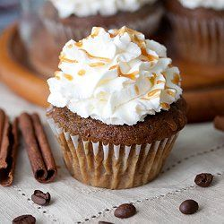 Pumpkin Spice Latte Cupcakes - now you can drink your latte, and eat it too!: Desserts, Pumpkin Spice Latte, Spices Cupcakes, Food, Pumpkins, Cupcakes Recipes, Latte Cupcakes, Pumpkin Spices Latte, Cupcakes Yum