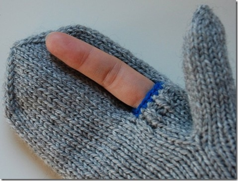 who wants to make these for me | photographers mittens :)...or iTouch mittens! love!