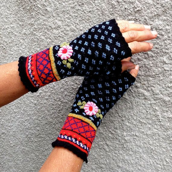 Pretty Nordic Handmade Embroided Fair Isle Fingerless Cotton Mitts in Boho Style by Dom Klary