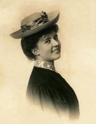 laura ingalls wilder | Laura Ingalls Wilder at the Hoover Library-Museum--Pioneering journeys ...