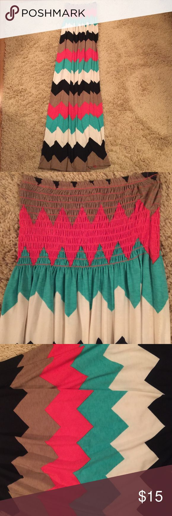Francesca's collection maxi dress. Perfect condition chevron maxi dress. A little too long for me. I am 5'5. Awesome colors turquoise, coral, black, tan and off white.  Bummed it's too long for I would've kept Francesca's Collections Dresses Maxi