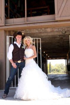 Karelina Sposa Wedding Dress $940