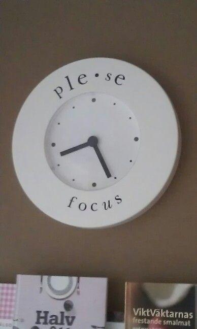 En vanlig klocka fick lite attityd. Pleace focus!