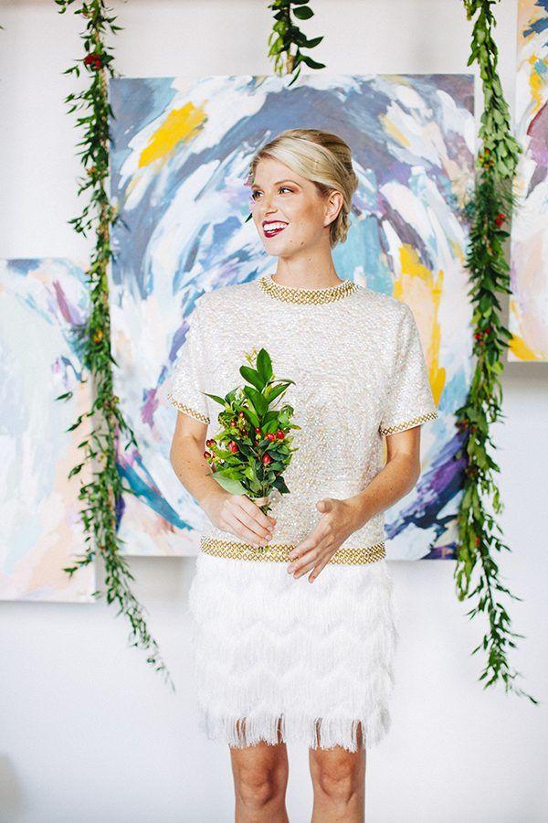 modern wedding decor - photo by Ariana Clare - DIY and Styling by Kathryn Godwinhttp://ruffledblog.com/diy-easy-artful-backdrop