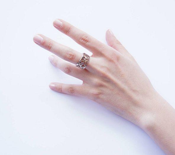 Filigree Ring: Romantic feminine design of Filigree ring elegantly compliments everyday looks. $25.00