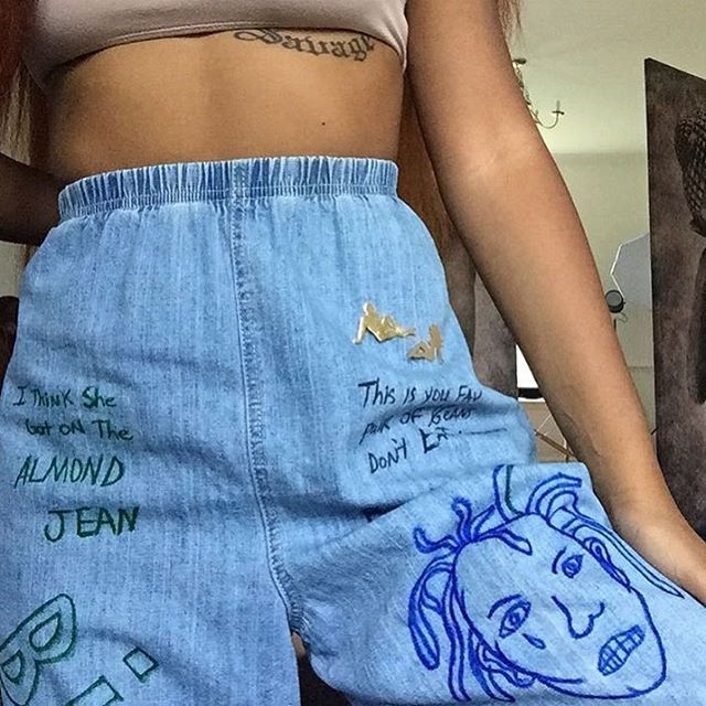 Babe @domyenn added her Pins from the shop to her look✨