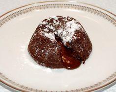 Tortino al cioccolato con cuore morbido, scopri la ricetta: http://www.misya.info/2012/02/08/tortino-al-cioccolato-con-cuore-morbido.htm