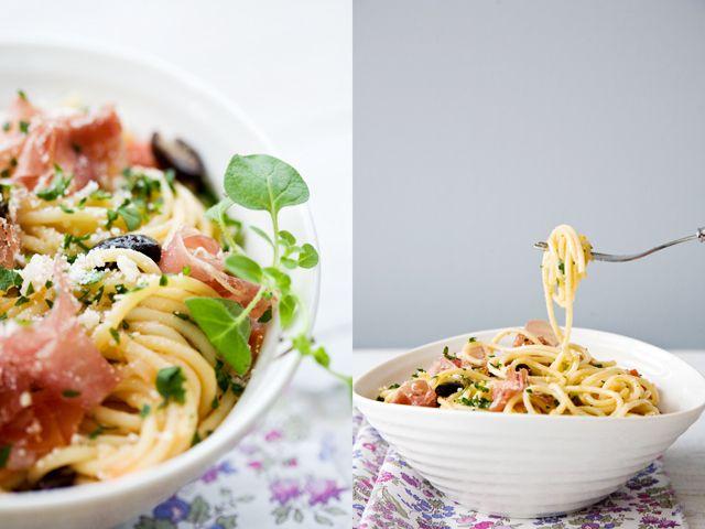 Prosciutto, Tomato, and Olive SpaghettiOlive Spaghetti, Pasta Dishes, Awesome Recipe, Tomatoes Spaghetti, Delicious Recipe, Spaghetti Recipe, Simple Pasta, Olive Pasta, Prosciutto Pasta