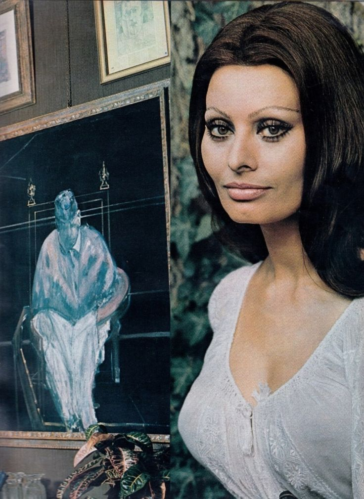 """© Lord Snowdon, Sophia Loren beside a Francis Bacon at The Villa Ponti (""""Love Is the Centre of My World"""", Vogue, December 1970)"""