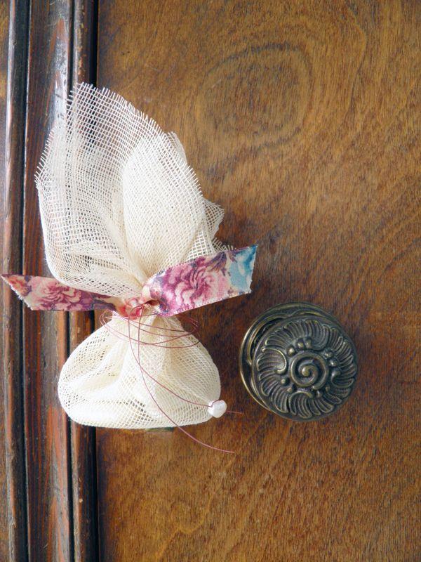 Mini χειροποιητες μπομπονιερες γαμου  Ekubo  See more on Love4Weddings  http://www.love4weddings.gr/mini-mpomponieres-gamou/