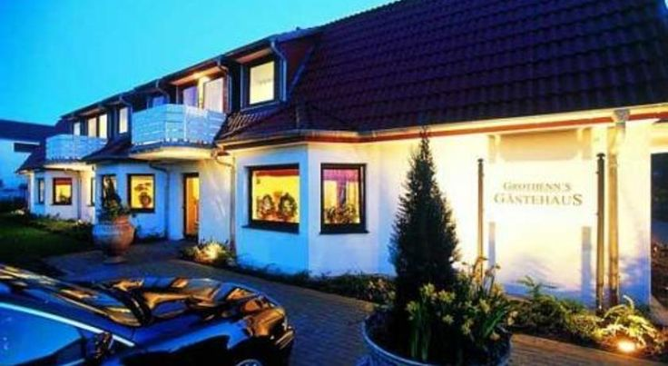 Grothenn's Hotel Bremen This quietly located, 3-star Superior hotel in the Arberg district of Bremen offers modern rooms with a balcony or terrace, free wired internet, and easy access to the A1 motorway.