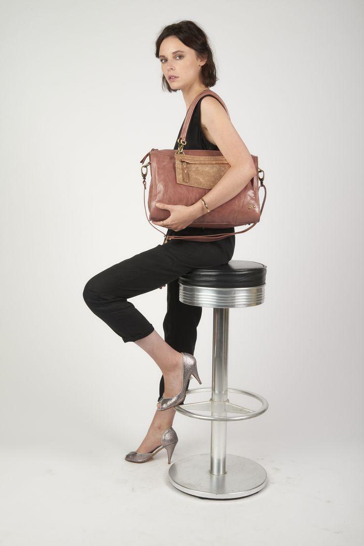 - Antoinette Ameska - Sac cuir Sofia couleur rose et Pochette Paris couleur paillette ambre