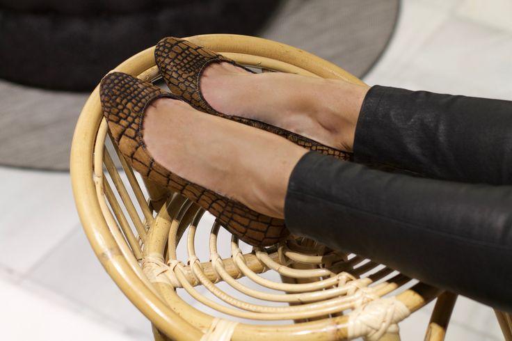 Bailarina de potro marron animal print cocodrilo