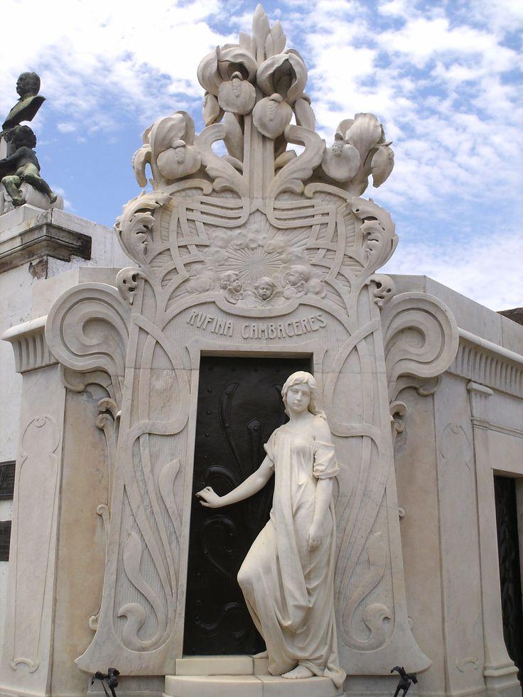 Rufina Cambaceres, cementerio recoleta, buenos aires