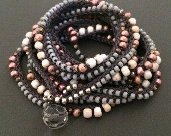 Häkeln Wrap Armband Boho Kette Perlen Blüten und von CoffyCrochet