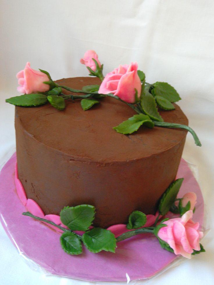 Chocolate, roses cake