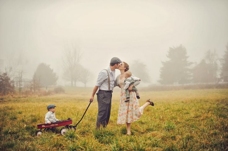 Family Valentine Portraits  |  The Frosted Petticoat