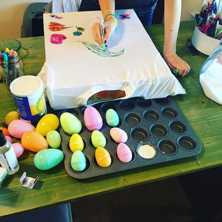 Experimenting with Homemade Bath Bombs and Fabric Dying for the Mini Maker Fair!! RJ #homeschool #thisishomeschool #hsheroes #bathbombs #fabricdying #fridayfun