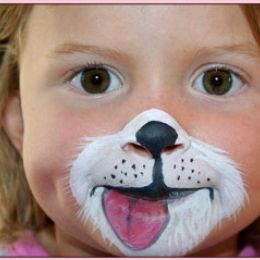 Bouncy Castle, Face Painting & Balloon Animals at the Pet Expo | Vancouver Island Pet Expo