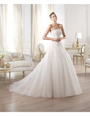 robe de mariée princesse avec traîne sans bretelles dentelle