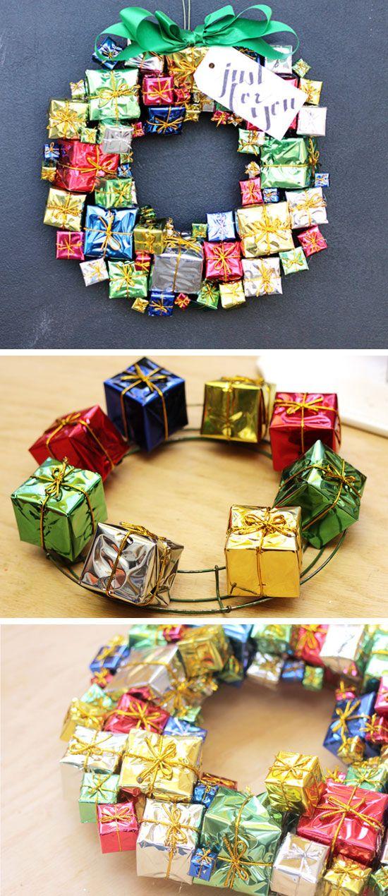 DIY Gift Box Christmas Wreath | DIY Christmas Wreaths for Front Door | Easy Christmas Decorating Ideas 2014
