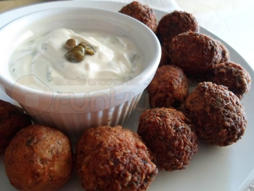 Revithokeftedes (chickpeas in fried balls with flour and herbs), Sifnos, Greece