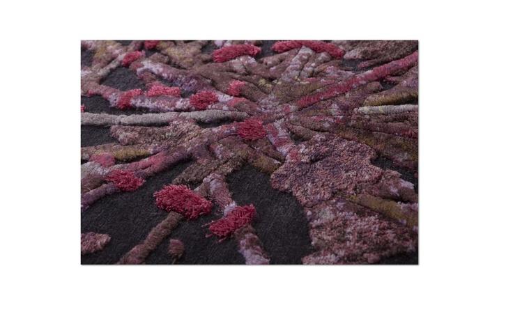 savage flowers memories #Una composizione di fiori secchi a più livelli   realizzato utilizzando materiali preziosi. Un tappeto senza lana che diventa un quadro. http://www.nodusrug.it/it/collezione_tappeti_scheda.php?ID=FLOW2