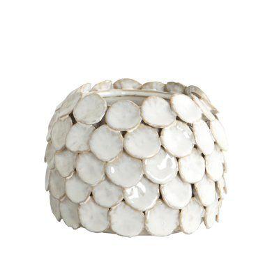 Handgemaakte vaas Dot van House Doctor , wit aardewerk laag model