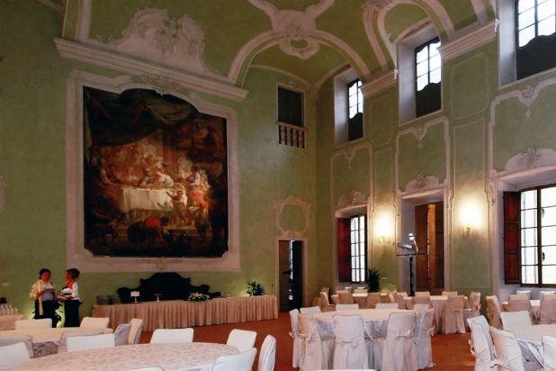 Piacenza, restauro Palazzo Galli.  #piacenza #palazzogalli #restauro #interiodesign #design #paint #painting #pittura #farrowandball noveri