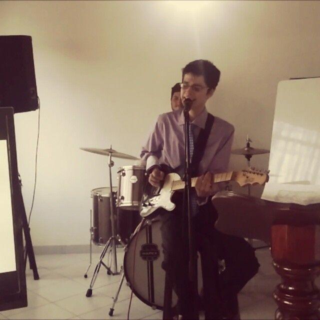 """Nuestra canción """"MiHogar"""" escrita por @ieerreformada en 2009 y parte de las alabanzas en nuestra iglesia. Este será uno de los tracks de nuestro cd. Aquí, precoro y primera parte del coro.  @sabiancymbals_official #inspiration #singer #exaltazionworship #band #guitar #musician #home #christian #church #contemporary #drummer #cristiano #jesus #gospel #music #followus #god #pop #leader #worship #europe #lime #peru #panama #africa #argentina #mexico #chile"""