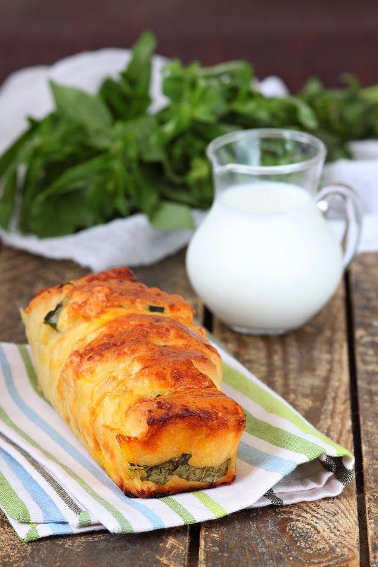 хлеб с сыроми базиликом