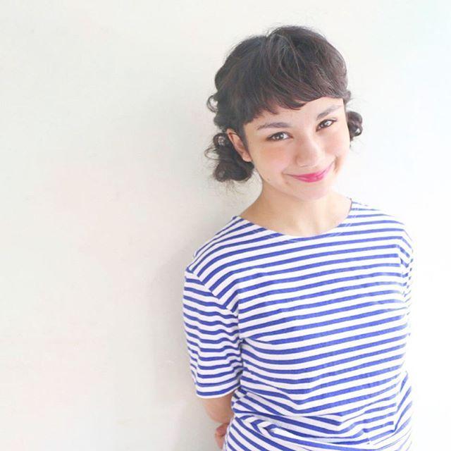 ツインテール風のお団子♡ 夏フェスにおすすめのヘアスタイルのアイデア。髪型・アレンジ・カットの参考に☆