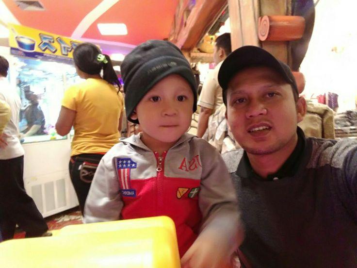 Jepret...gyan dan ayah dalam 1 frame