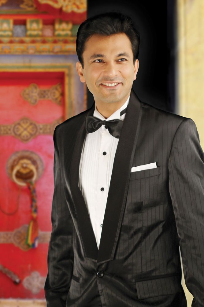 Check out the styling of the masterchef Vikas Khanna!