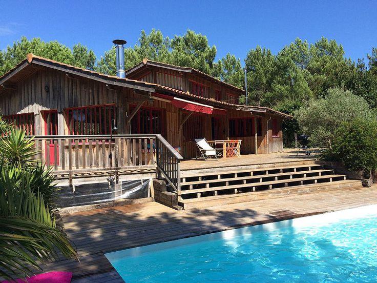 Abritel Location vacances villa Lege Cap Ferret, La Cabane. Très belle villa en bois (200m2) idéalement située sur les dunes de Piquey, dans un quartier calme et résidentiel pour passer des vacances au calme en étant proche de tout.